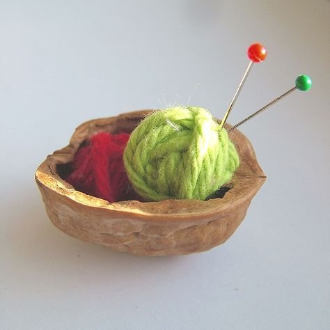 small world land: Day 2 :Walnut Shell Knitting Basket Ornament
