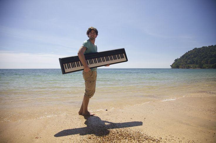 Joe Löhrmann, Straßenmusiker: My traveling piano. Die Entstehung meines neuen Albums FOLLOW THE SUN