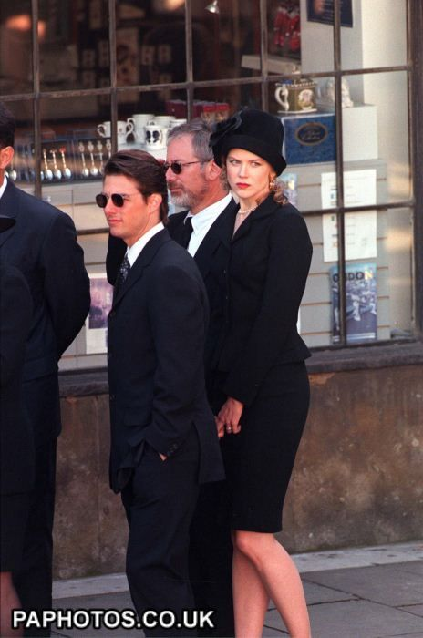 Tom Cruz, Nicole Kidman, and Steven Spielberg arrive at Westminster Abbey for Princess Dianas funeral.