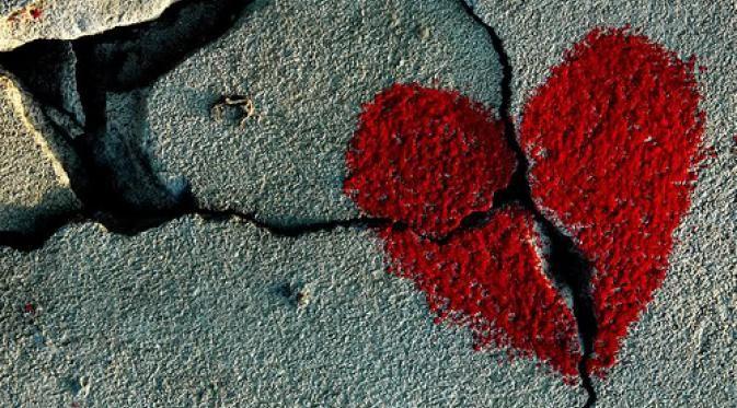 Pasangan Paling Sering Putus Cinta Saat Valentine? - Hari Valentine merupakan hari kasih sayang. Tapi kenapa yang terjadi malah sebaliknya?