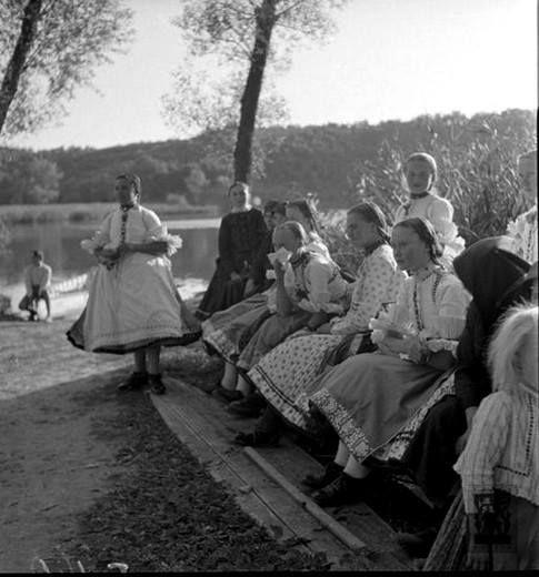 Lányok ünneplőben, Bánk (Nógrád m.), 1936.- Hungary
