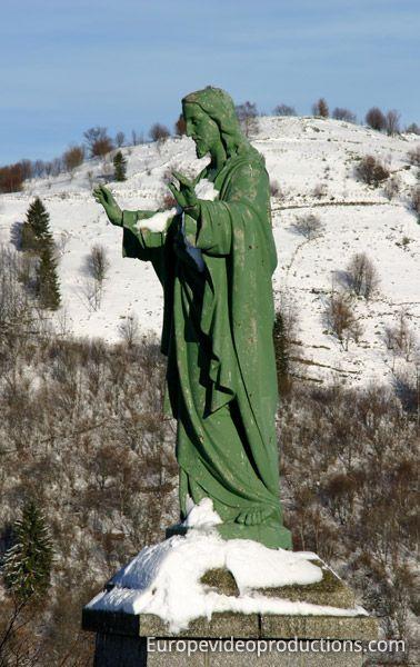 Statue de Jésus à La Bresse dans les montagnes des Vosges en France