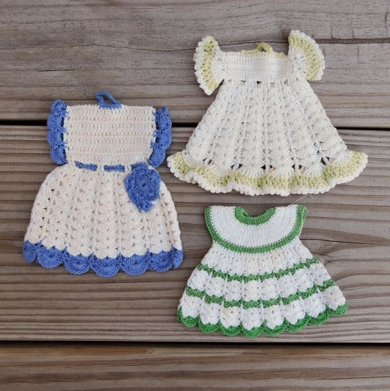 Little Dresses Vintage Crochet Pot Holders / by FallingCoconuts