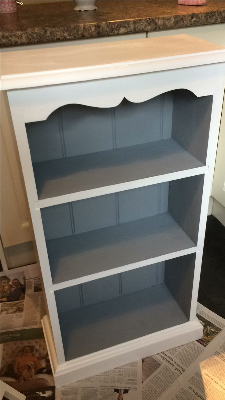 Grey/white bookcase