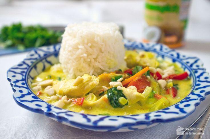 """Ich muss mich mal selbst loben. Ich bin der Curry-Experte. Und wenn meine Frau vorschlägt, dass ich mal wieder ein Curry kochen soll, freue ich mich wie ein kleines Kind. Vor ein paar Tagen hat sie mir das Vietnam-Curry Rezept von Valentinas Kochbuch geschickt , mit der Frage """"Kochst Du morgen für mich?"""""""