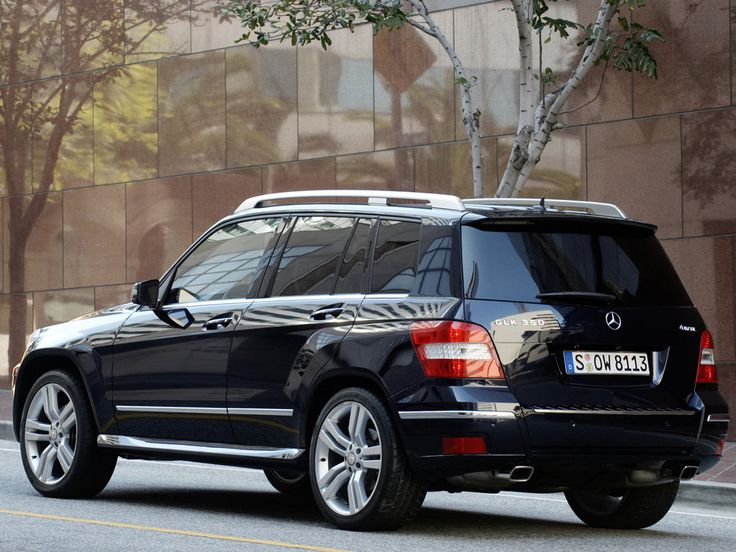 GLK 350..my Dr. has this car..She loves it..don't usually see them in Buffalo!~
