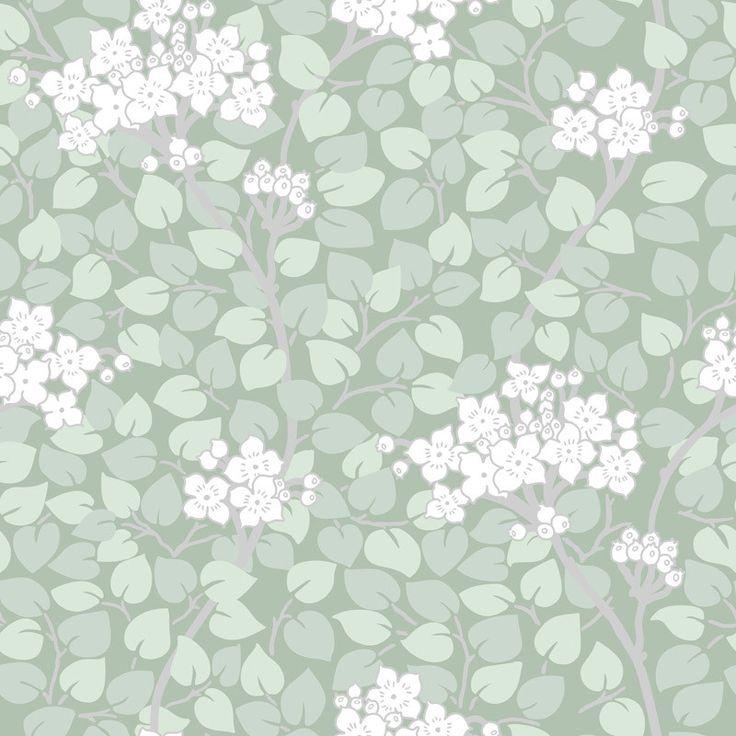 Tapet Grönska Grön Nyans Tradition tar avstamp i svensk tapetdesign med klassiska mönster och färger som passar i både nutid och dåtid. Grönska är inspire