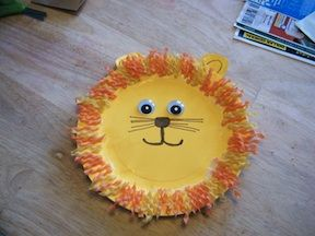 An easy paper plate craft that's perfect for March lion and lamb crafts or for a zoo-themed party! Even youngsters...