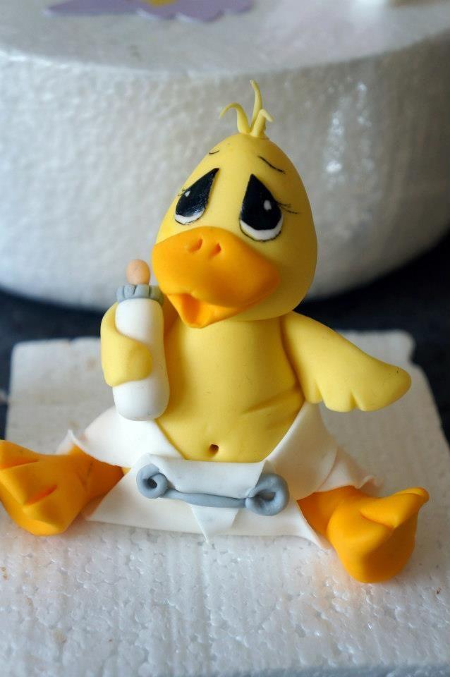 Un exquisito patito recién nacido. Ideal para una torta o cupcake para un baby shower!