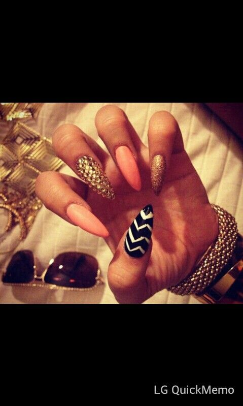 Stelleto nail idea