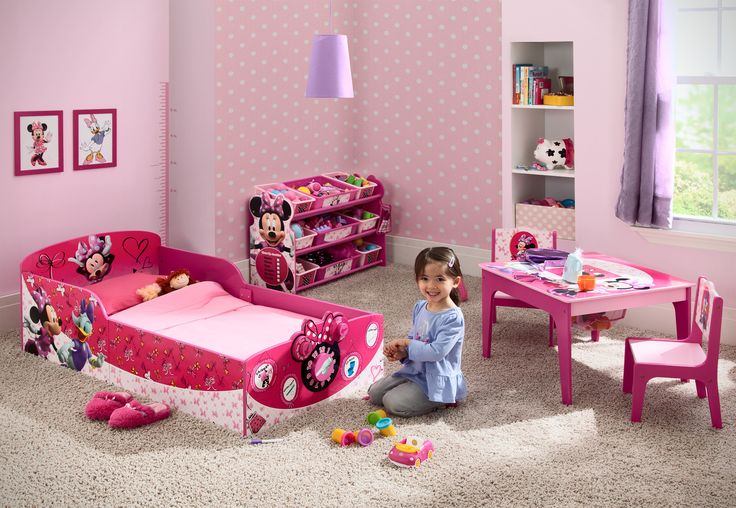 Features:  -Minnie Mouse collection.  -Material: Strong and sturdy wood.  -Recommended for ages 15 months+.  -Bedtime checklist on footboard easily wipes clean.  -Dry-erase marker not included.  -Inte