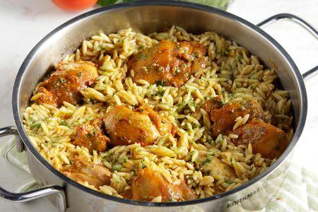 Κοτόπουλο γιουβέτσι στην κατσαρόλα με έτοιμο πέστο βασιλικού - Συνταγές | γαστρονόμος