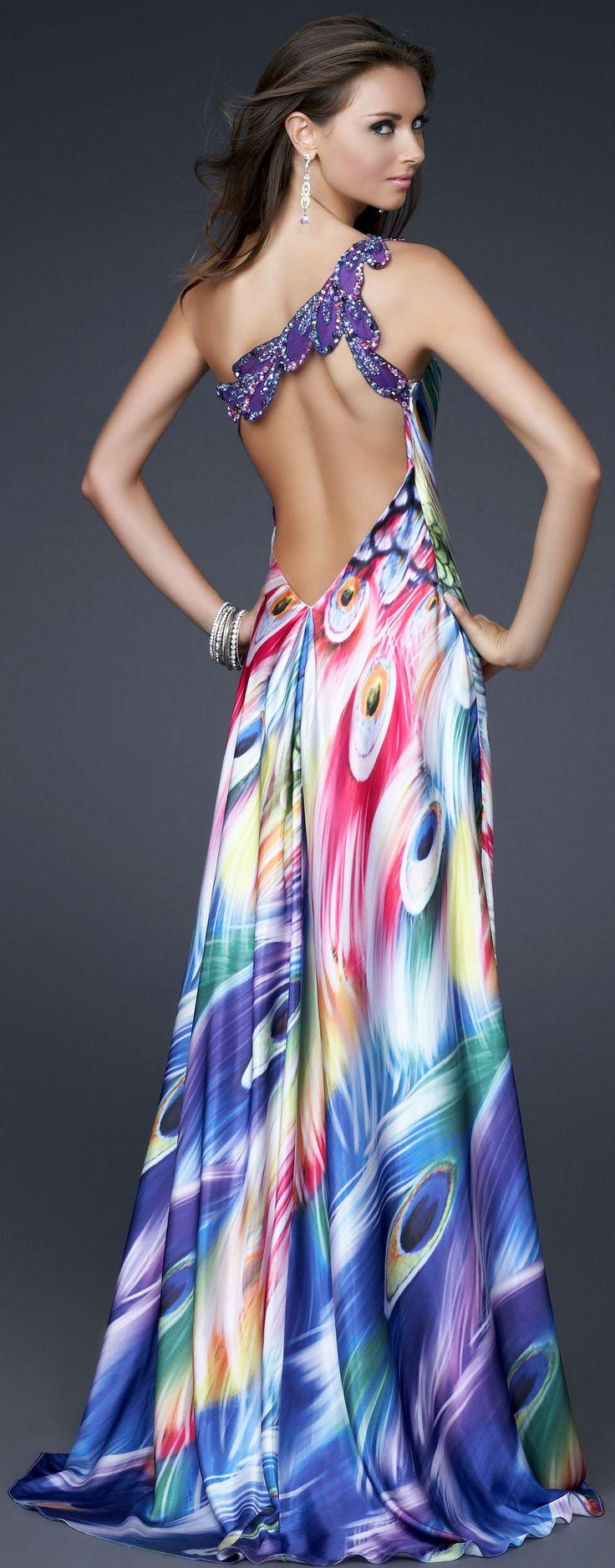 Vestido estampado asimétrico con un bellísimo escote en la espalda (espalda) Love it so much!!!