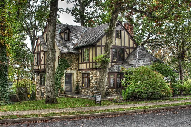 Stone and stucco Tudor - Distinctive Homes of Reading, PA | Flickr - Photo Sharing! (photo: Donald Fregede)
