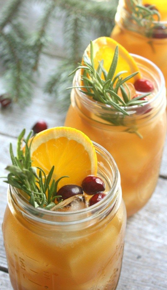 Holiday Bourbon Punch. Citrus, spice and everything nice went in to making this Holiday Bourbon Punch