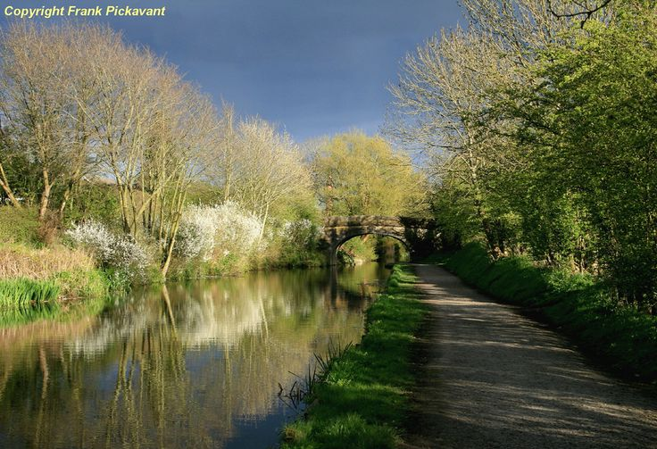 Lord Skully posted a photo:  The Lancaster canal at Preston in Lancashire.  Linking Preston to Kendal, the Lancaster canal's principal purpose was to transport coal north from the Lancashire Coalfields, and limestone south from Cumbria. The nature of these cargoes gave the waterway its local nickname - the Black and White Canal.  From Wikipedia, the free encyclopedia