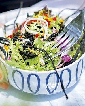 Salada de algas marinhas (Foto: Rogério Voltan/Editora Globo)