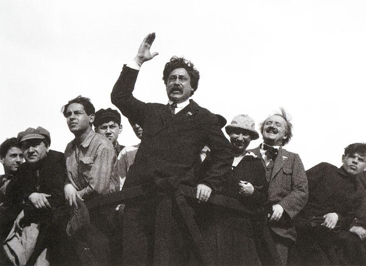 Arkady Shaikhet / Аркадий Шайхет. Выступает Е. Ярославский. Москва  1 мая 1926 г.