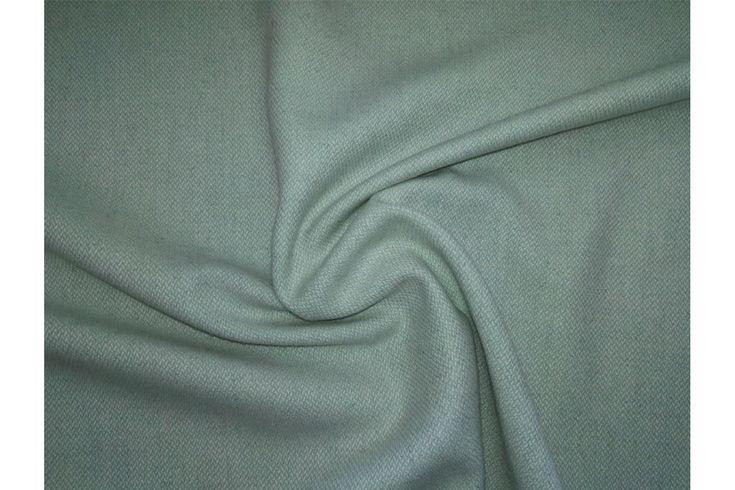 Tela de franela lisa de color verde agua. Tejido denso y con textura suave. La lanilla de la franela hace que la tela retenga el calor, por lo que abriga bastante. Tejido versátil. Perfecto para la confección de prendas infantiles, para niño o niña (faldas, vestidos, pantalones). También adecuado para la confección de señora chaquetas, vestidos, faldas..#Franela #lana #tela #lisa #verde agua #denso #suave #lanilla #caliente #versátil #confección #infantiles #niños #bebés #señora #faldas…