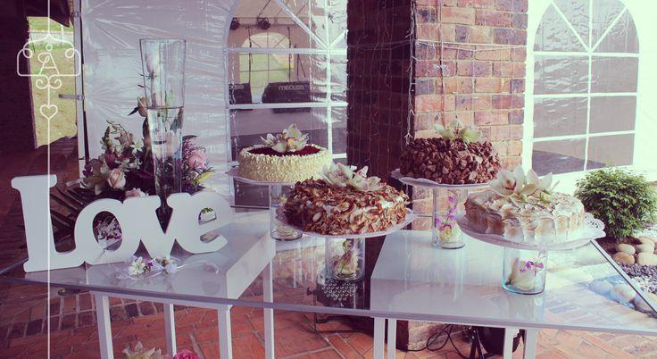 Mesa dulce para matrimonio con 4 sabores de ponqué