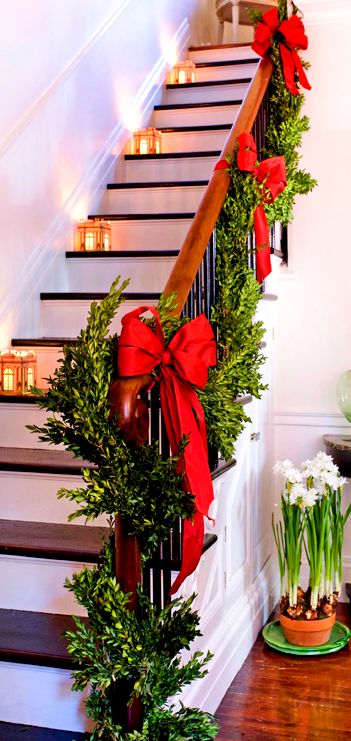 59 best christmas staircase banister holiday decorating for Stair railing decorated for christmas