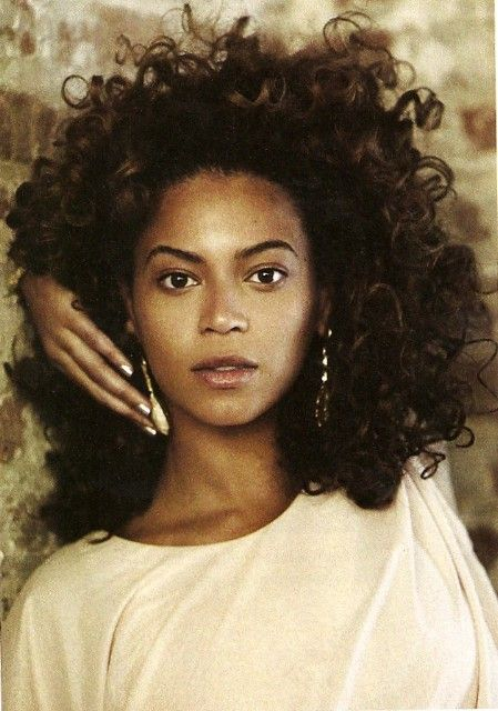 Beyonce - sometimes I think she looks so much more beautiful without the all the smoke and mirrors and straightened hair
