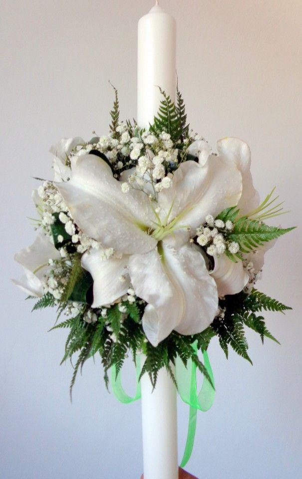 lumanare de botez/ cununie scurta cu crini albi si floarea miresei
