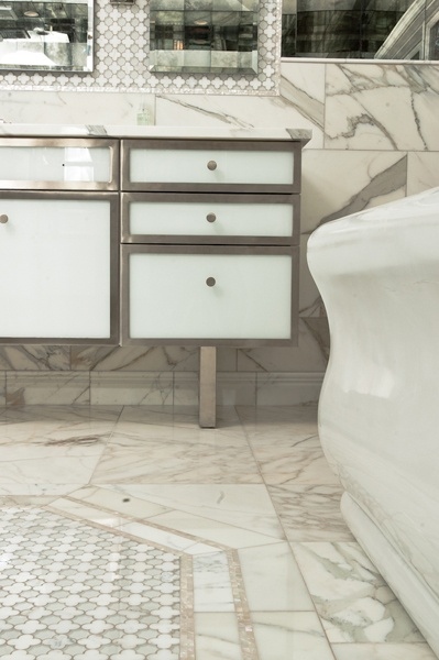Charleston Mirror Collection Arpell White Mother Of Pearl Tropique Border And Calacatta Gold