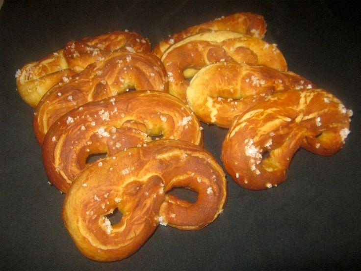 Freshly baked brezeln / pretzels