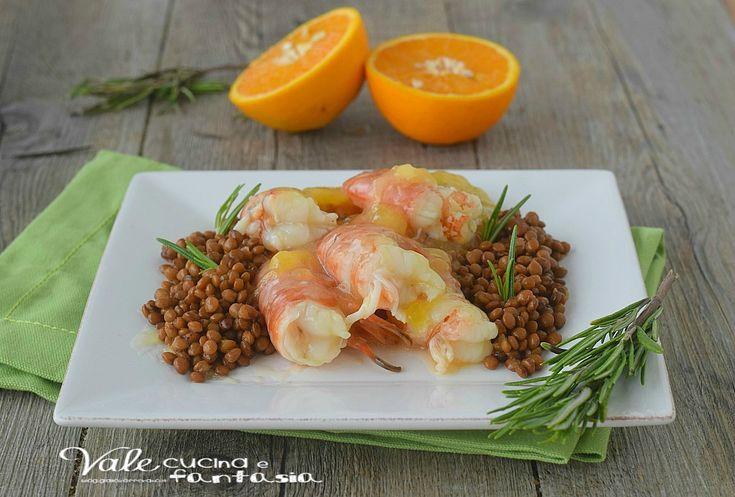 Gamberoni all arancia con lenticchie ricetta secondo di pesce facile, gustosa e sfiziosa, pochi ingredienti e poco tempo per prepararla