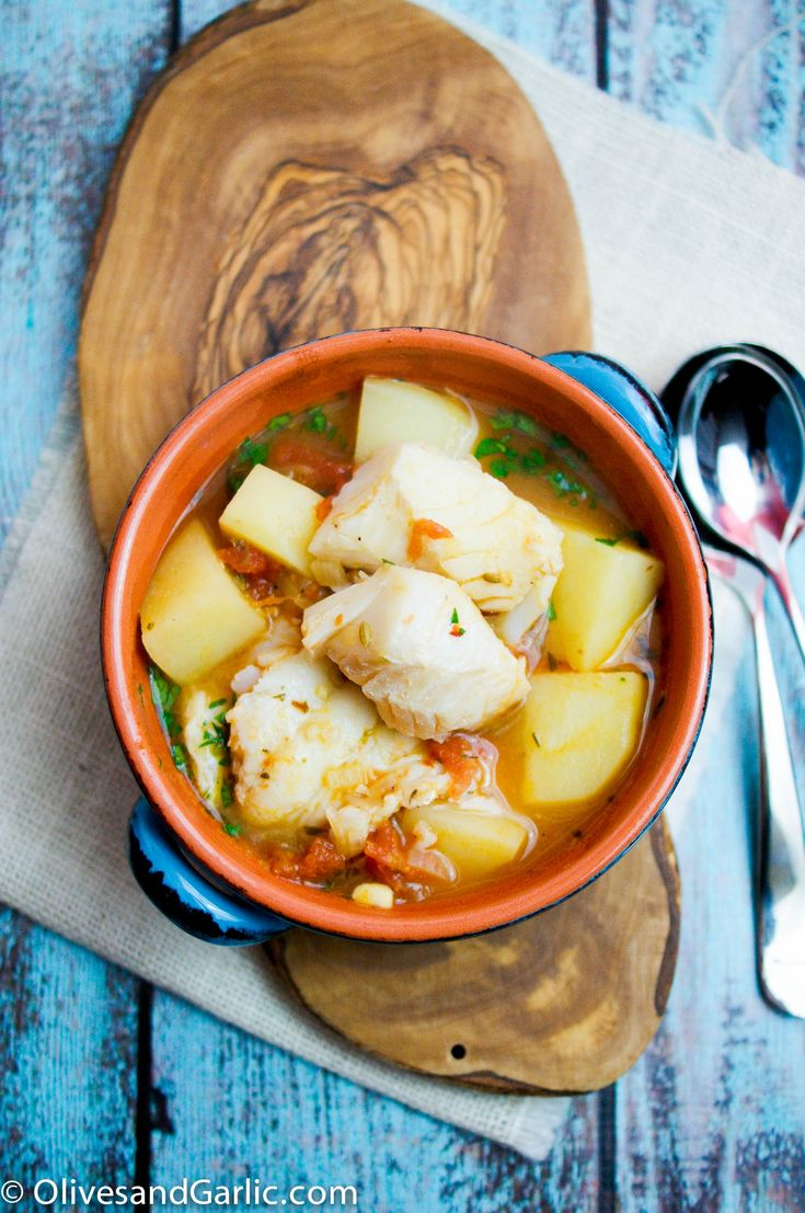 Easy Cod Stew NOTE: use less pepper + put tomatoes AFTER potatoes are almost done or they will stay firm forever