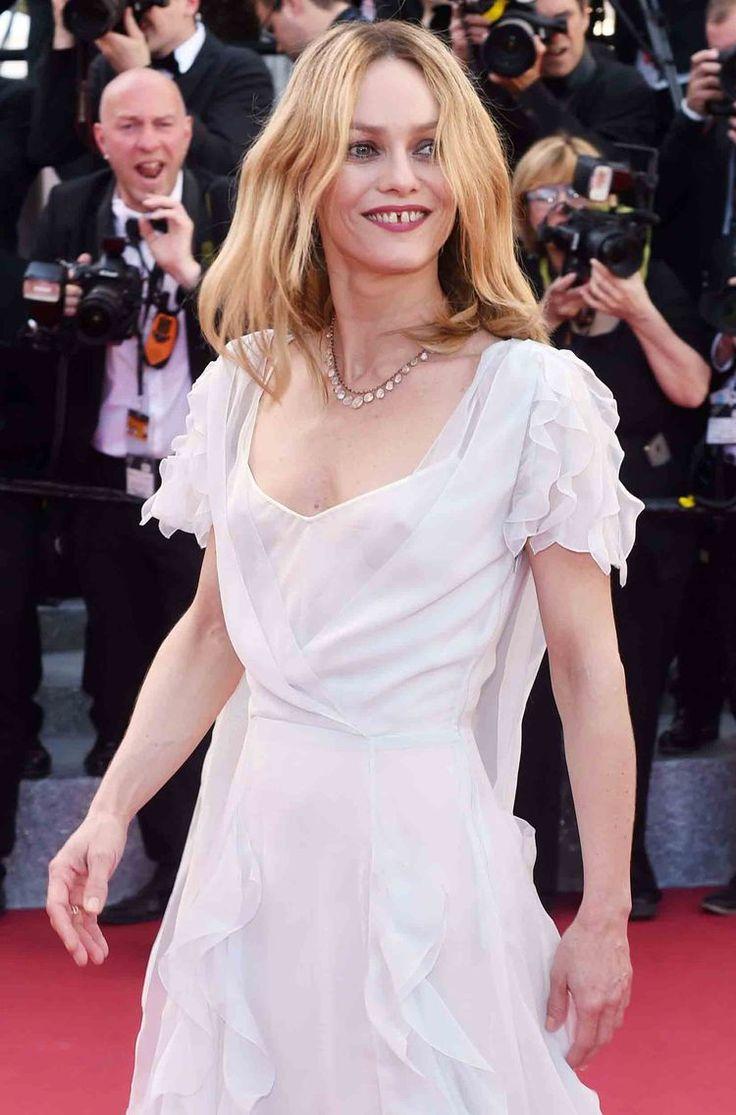 (photos) Vanessa Paradis : la robe transparente qu'il aurait (peut-être) fallu…