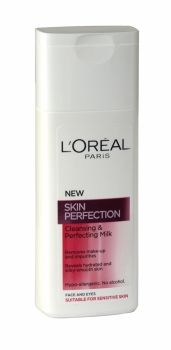 Loreal Skin Perfection Cleansing & Perfecting Milk 200ml Enriched with L'Oréal's patented Omega-Ceramide™, Re-Nourish cleansing milk: - gently cleanses your skin and softens your face and eye area, - immediately soothes skin for a smooth, comfortable sensation, - perfectly hydrates skin and prevents drying. Results: Your skin is left feeling thoroughly cleansed, soft and hydrated whilst feeling comfortable and less taut.