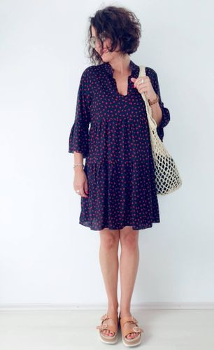 Nähe ein knielanges Kleid mit dem Schnittmuster Boho-Kleid/Tunika Nelina