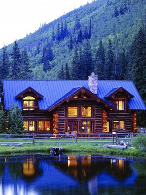 Beautiful cabin in the Colorado mountains.....if this were smaller it would be the ideal home i've been dreaming of