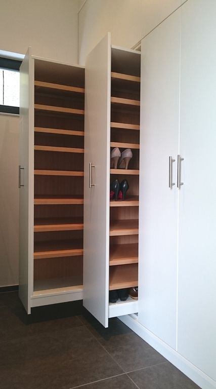 Smart Set Up For A Entrance Shoe Storage
