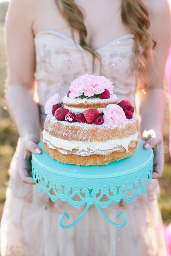 Bohemian glam wedding inspiration | photo by Lauren Fair Photography | 100 Layer Cake