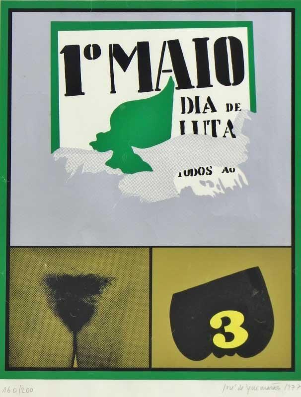 """Lote 4847 - José de Guimarães (n.1939) - Serigrafia sobre papel, assinada, datada de 1977, série 160/200, motivo """"1º Maio"""", mancha colorida com 52x41 cm (moldura com 76x56 cm, papel com pequenos vincos). Serigrafia deste autor foi vendida por € 1.092 na Oportunity Leilões. Nota: José de Guimarães nasceu em 1939, em Guimarães. Formou-se em Engenharia na academia militar, mas em 1987 passou a dedicar-se exclusivamente à actividade artística. Foi bolseiro da Fundação Calouste Gulbenkian em…"""