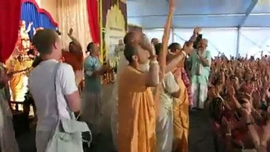 World is coming to Hinduism. Hare Krishna. http://ift.tt/2hN5z63