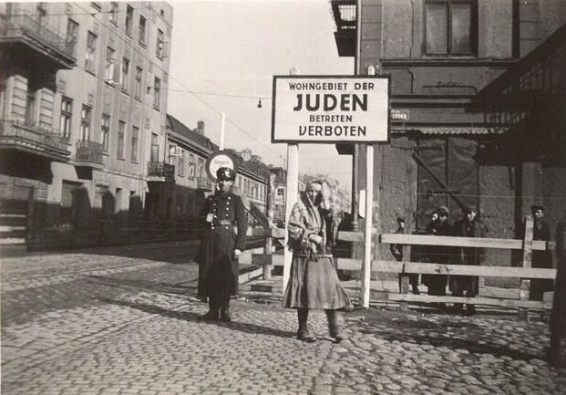 Ghetto Pictures From the Holocaust   The Lodz Ghetto 1940 - 1944: story, pictures and information - Fold3 ...