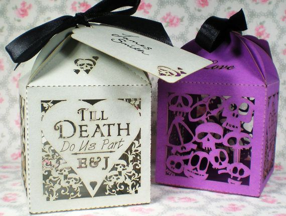 20x Skulls & Hearts Personalised Favour Boxes  Alternative Wedding - By TheCrossEyedFox