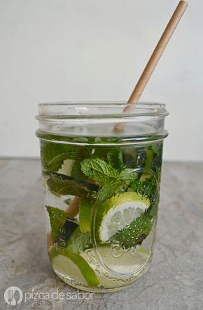 Agua con menta, pepino o limón (agua saludable y sin azúcar)