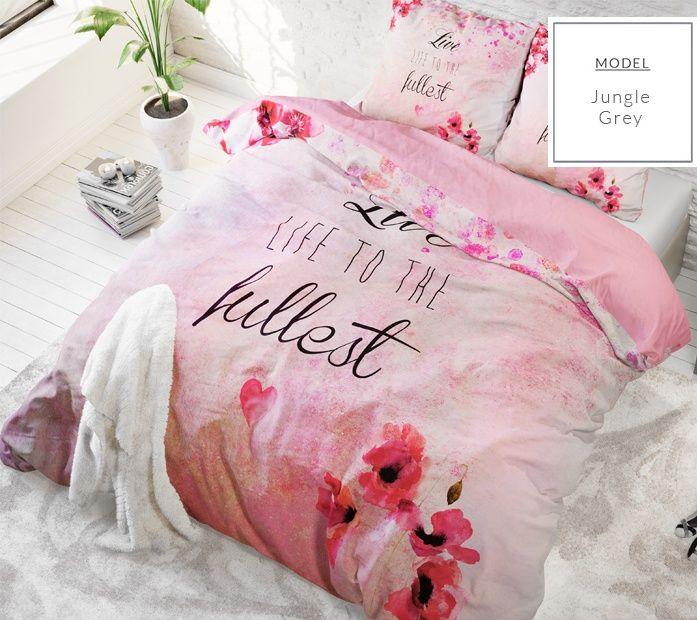 Ružové posteľné obliečky s nápisom