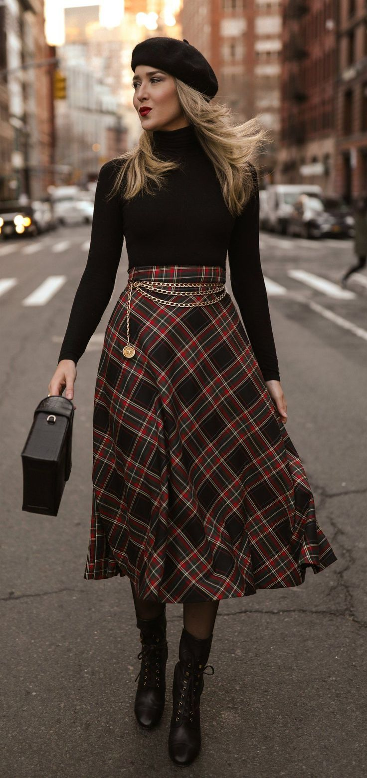 An Outfit That S Classic And Comfortable For Those Days When A Power Look Isn T Necessary Black Ribb A Line Skirt Outfits Winter Skirt Outfit Skirt Outfits