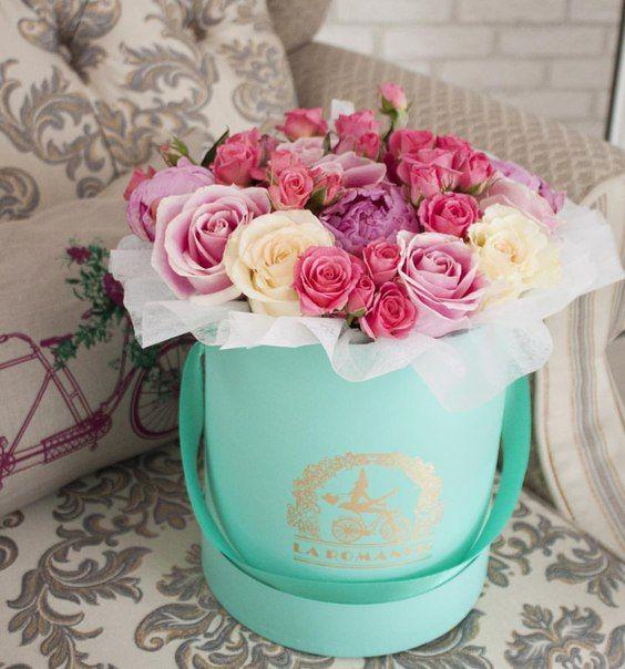 Цветы в шляпных коробках La Romantic
