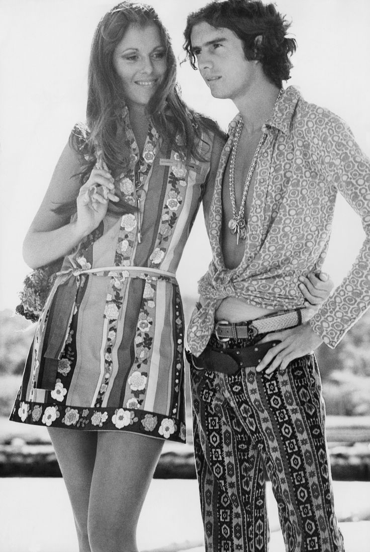 Pilar Crespi in a dress by Lilly Pulitzer, with Richard White. Photographed by Alexis Waldeck, May 1970.