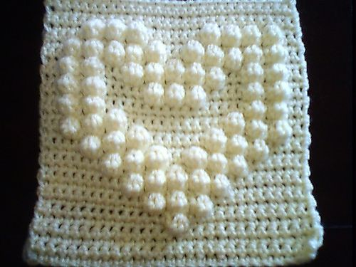 Hollow Bobble Heart Square: free pattern
