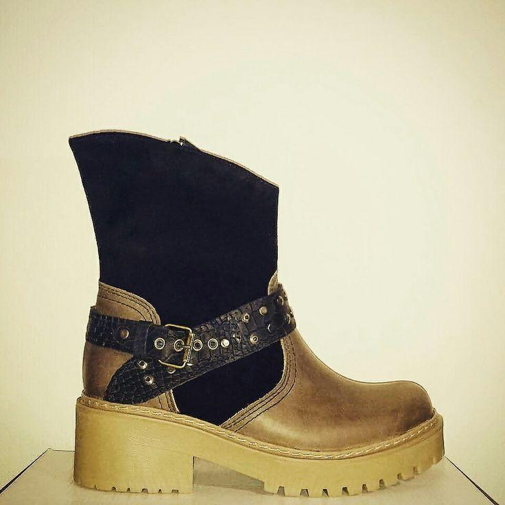Boots Grandi Material: Capellada cuero y caña reno