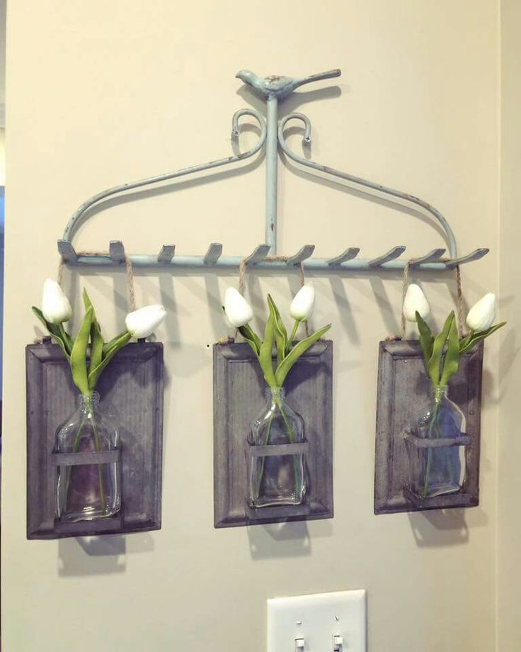 Super friggin cute idea! Need to find an old rake and transform