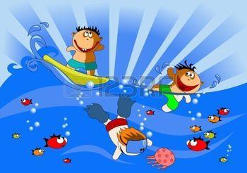 children travel: bambini nuotano e immergersi nel mare